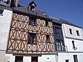Vieux tours ,maison 16em siècle, à croix de Saint-André, rue Auber.jpg