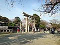 View of torii of Terumo Shrine in Nishi Park, Fukuoka.JPG