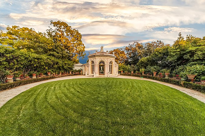 Villa Pallavicini giardino.jpg
