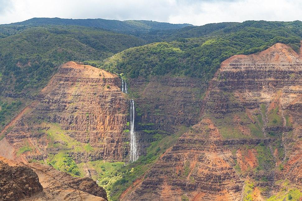 Waipo'o Falls Waimea Canyon Park waterfall Kauai, Hawaii (45365055015)