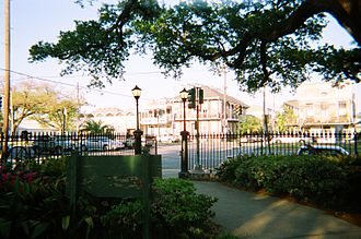 Faubourg Marigny - Washington Square, looking toward Elysian Fields Avenue