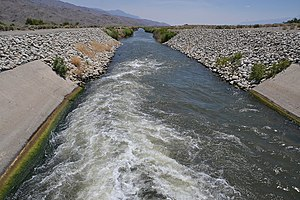 Los Angeles Aqueduct - Image: Water entering los angeles aqueduct