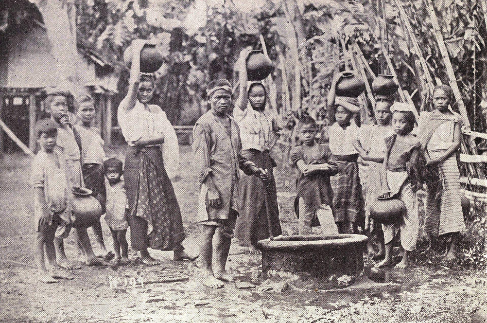 Orang-orang Visayas   Foto oleh Alden March, tahun 1899.