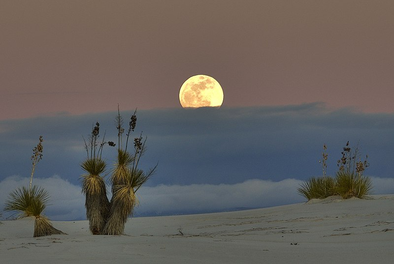 File:White sands moon & clouds.jpg