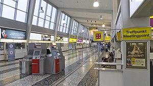 Wien 30 Flughafen Wien Terminal 2 b.jpg