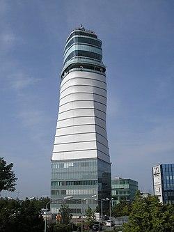 Wien Flughafen Schechat May 2007 011.jpg