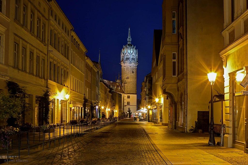 Wittenberger Schlosskirche am Abend