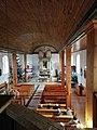 Wnętrze kościoła parafialnego w Kruklankach.jpg