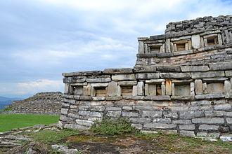 Sierra Norte de Puebla - Yohualichan, the main Totonac archeological site in the Sierra Norte