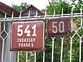 Zbraslav, Žitavského 541, domovní čísla.jpg