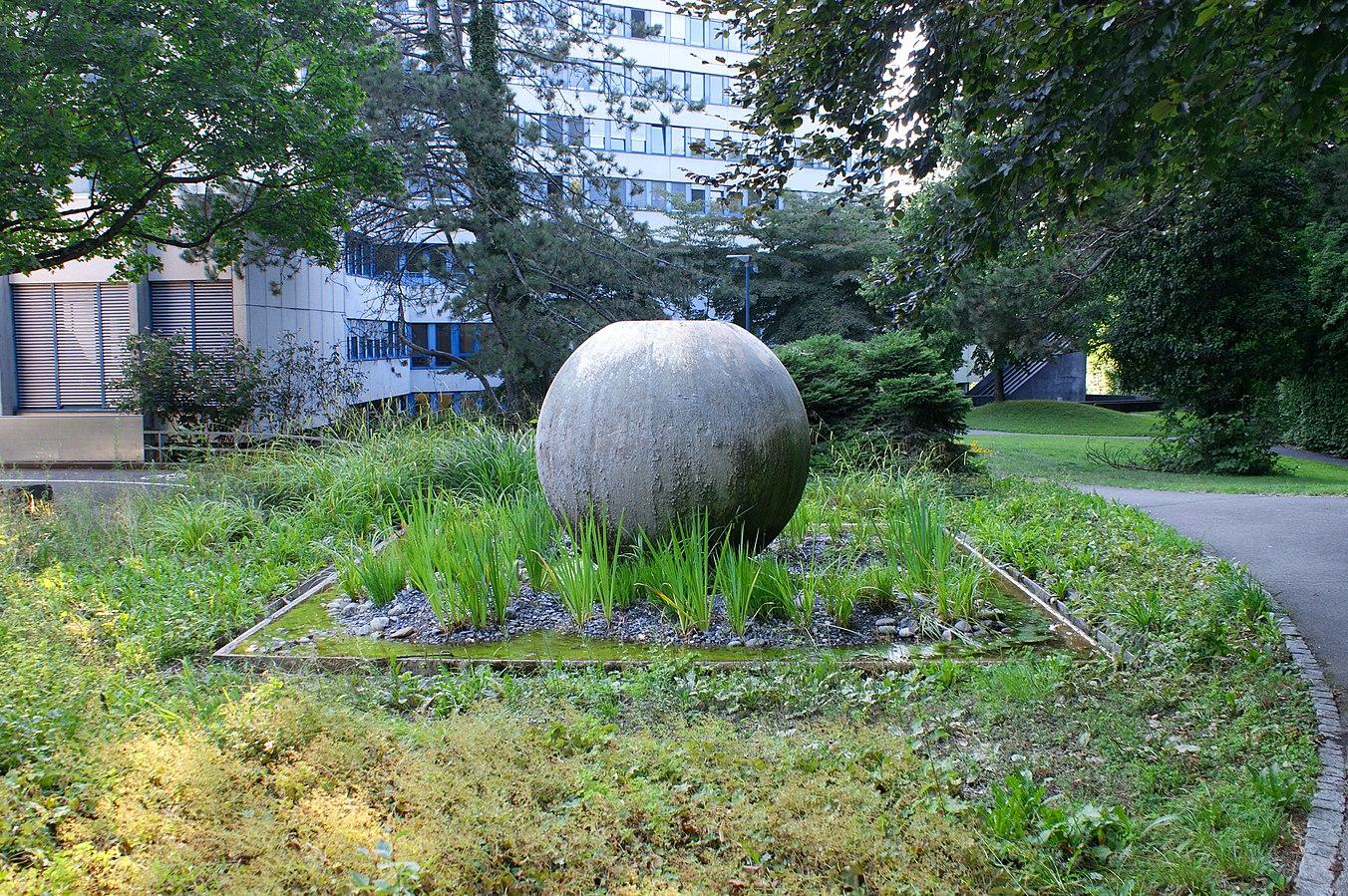 Zieglerspital-Ball Fountain