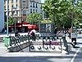 Édicule2 métro Place d'Italie.JPG
