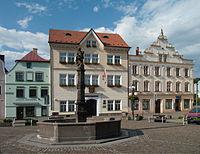 Česká Kamenice - kašna na náměstí Míru.jpg