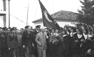 Flag of Turkey - Image: İsmet İnönü Hatay'da (1939)