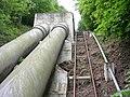 Štěchovice, lanovka a potrubí, nahoru.jpg