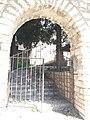 Είσοδος στην Παναγία της Ροδιάς.jpg