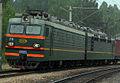 ВЛ85-231 с поездом (cropped).jpg