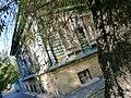 Дом жилой И. Мелонникова через березку.JPG