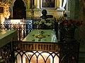 Надгробие на могиле императора Петра I Великого в Петропавловском соборе.jpg