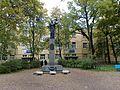 Погибшим медикам-Monument to perished physicians - panoramio.jpg