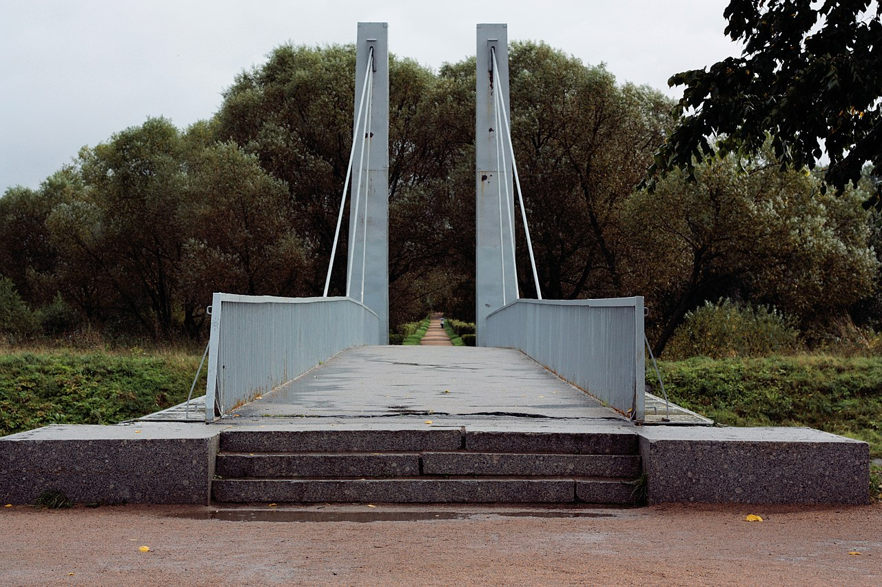Эконом памятник Волна в камне Долгопрудный