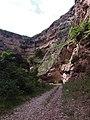 Тызылское ущеле, впереди Чёртов мост - panoramio.jpg