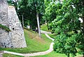 Цесис (Латвия) Парк у стен замка - panoramio.jpg