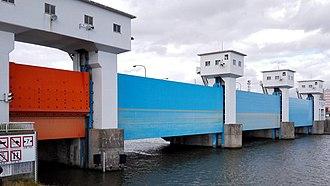 Shinano River - Shinano River gate.