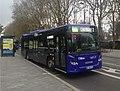 图尔站附近的一辆公交车.jpg