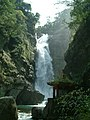 由瀑底拍攝小烏來瀑布.JPG