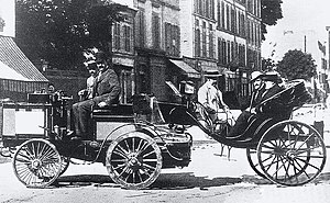 Paris–Rouen (motor race) - Jules-Albert, Count de Dion finished first in a steam powered De Dion tractor towing ''une Calèche'', but was not eligible for the prize. Among the passengers are the Count de Dion, Baron Étienne van Zuylen van Nyevelt-Rothschild, and writer Émile Driant.