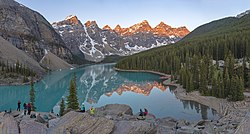 1 moraine lake pano 2019.jpg