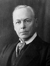 1st Viscount Brentford 1923.jpg