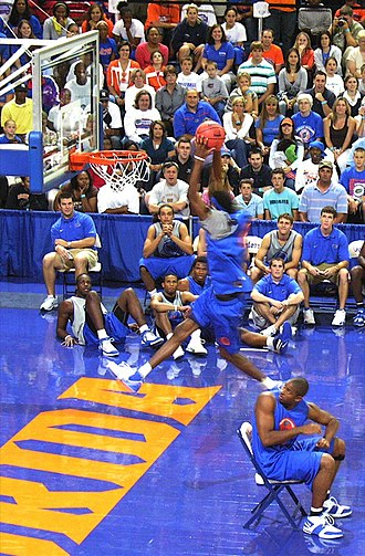 2006–07 Florida Gators men's basketball team - Image: 20061013 Corey Brewer Midnight Madness Dunk exhibition