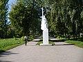 2011-08-25 08-03-14 Памятник воинам.jpg