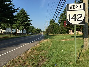 Virginia State Route 142 - View west along SR 142 in Petersburg