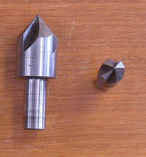 Countersink - Side and end view of a 4-fluted countersink