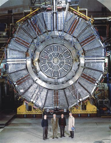 Resultado de imagen de el detector ALEPH