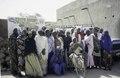 ASC Leiden - van Achterberg Collection - 6 - 039 - Un groupe de vingt femmes, vêtues de robes colorées et de foulards, de la TUNFA - Agadez, Niger - janvier 2005.tif