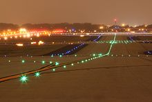 Taxiway - Wikipedia