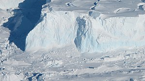 Thwaites Glacier - A close look at the shelf