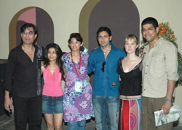 A group photo of Ms Krunti Mazumdar, Shri Pravin Dabas & Ms Emily Hamilton of the film Mem Sahib during the 37th International Film Festival (IFFI-2006) in Panaji, Goa on November 27, 2006.jpg