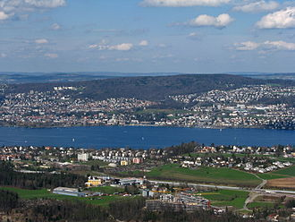 Adlisberg - Adlisberg and Lake Zürich, as seen from Felsenegg, Kilchberg in the foreground (April 2010)
