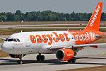 "Airbus A319-111 Easyjet ""Supporting Unicef"" G-EJAR (9380997121).jpg"