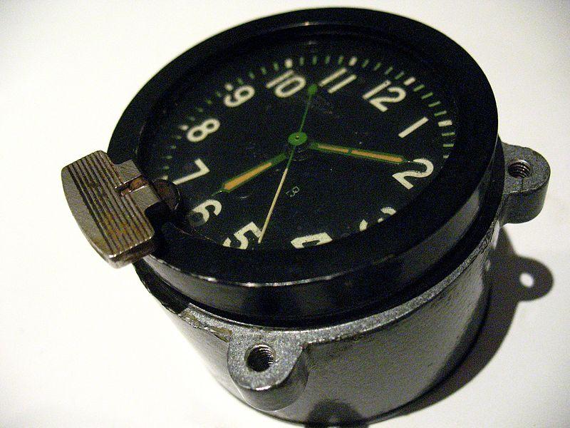 File:Aircraft clock.jpg