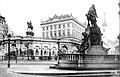 Albrechtsplatz mit Mozartdenkmal.jpg
