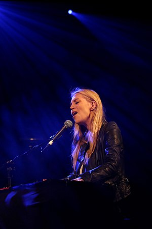 Alexa Feser - Feser performing at Waves Vienna in 2014.