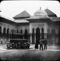 Alhambra med lejonfontänen Patio de los Leones - TEK - TEKA0117585.tif