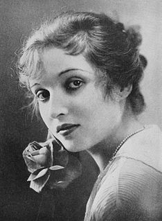 Alice Joyce American actress