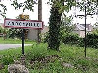 Andonville (Loiret) panneau et croix de chemin.JPG